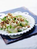 Lauwarmer Salat mit Chinakohl, Schweinefleisch und Basilikum-Ingwer-Öl