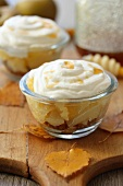 Apple meringue desserts