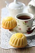 Flaumige Lemon-Curd-Küchlein zum Tee
