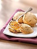 raisin scones with marmelade