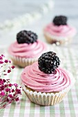 Blackberry cupcakes