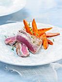Bauchfleisch vom Thunfisch mit Süsskartoffelchips