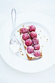 A muesli tartlet with raspberries