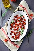 Getrocknete Tomaten mit Rosmarin und Thymian