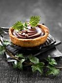 Schokoladentörtchen mit Melisse und Szechuanpfeffer