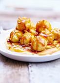 Cream puffs with caramel