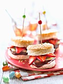 Mini chocolate,strawberry and kiwi burgers