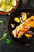 Lachs mit Orange und Haselnüssen