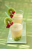 Banana,apple and kiwi smoothie