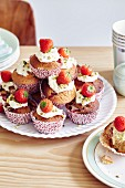 Muffins with cream cheese and strawberries