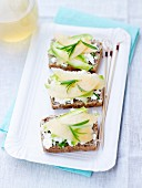 Fresh goat's cheese ,courgette and melon on sliced bread