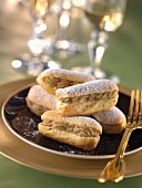 Small almond Eclairs