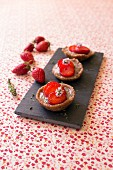 Strawberry tartlets with buckwheat flour and fresh thyme
