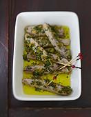 Marinierter Thunfisch mit Gremolata und Zitronenzesten