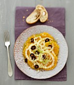 Orangensalat mit Fenchel und schwarzen Oliven