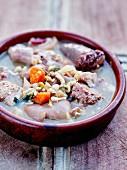 Barboufat (Katalanischer Eintopf mit Blutwurst, Schweinefleisch und Bohnen)