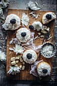 Small coconut and blackberry pies
