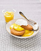 Shortbread biscuits with lemon curd and lemon whipped cream