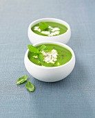 Pea soup with Faisselle and mint