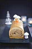 Bûche de Noël aux crêpes (Weihnachts-Baumstammkuchen mit Crepes, Frankreich)