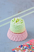 Mini Angel Cake with green apple