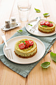 Small pesto and cherry tomato savoury cheesecake