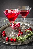 Cranberry-Cocktail mit Rosmarin