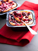 Small griotte cherry batter puddings