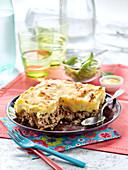 Hackfleischauflauf mit Rindfleisch, Amora-Senf und Parmesan