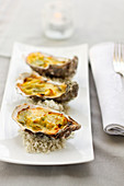 Hot oysters with leeks and curry