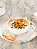 Celeriac soup with chanterelles and truffle