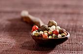 Spoonful of 5 varieties of peppercorns