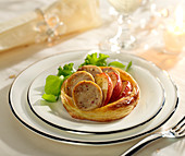 White sausage and apple tartlet