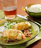 Hähnchenröllchen mit Bacon, Emmentaler, Speck und Champignons