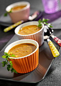 Curry-flavored chickpea and tomato soup