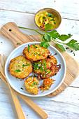 Hausgemachte Rösti mit Curry-Mayonnaise