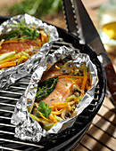 Salmon, thyme, bay leaf and vegetable papillote