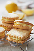 Breton shortbread with lemon cream
