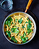 Spinach and gorgonzola fusilli one pot pasta