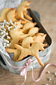 Tin of unicorn-shaped shortbreads