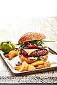 Selbst gemachter Burger mit Potato Wedges