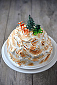Meringue Dome Cake