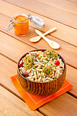 Veganer Nudelsalat mit Puntalette, Falafel und Paprikahummus