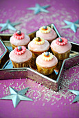 Rose frosted cupcakes
