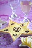 Lemon star-shaped pie