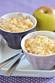 Light apple crumble