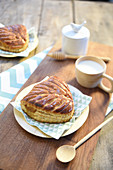 Apple and cinnamon puff pastry pies