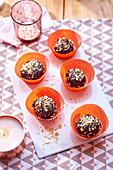 Rochers au chocolat noir (dunkle Schokomakronen, Frankreich) mit Haselnusssplitter