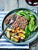 Butcher's Style Hamburger,Spinach And Potato Salad With Garlic