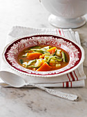 Sopa Juliana (spanische Gemüsesuppe)